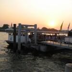 Quartier chinois - arrivée du bateau au ponton