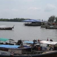 Bateaux sur la rivière Krabi