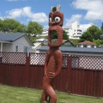 Rotorua - Statue du village maori