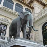 Grand palais - statue éléphant